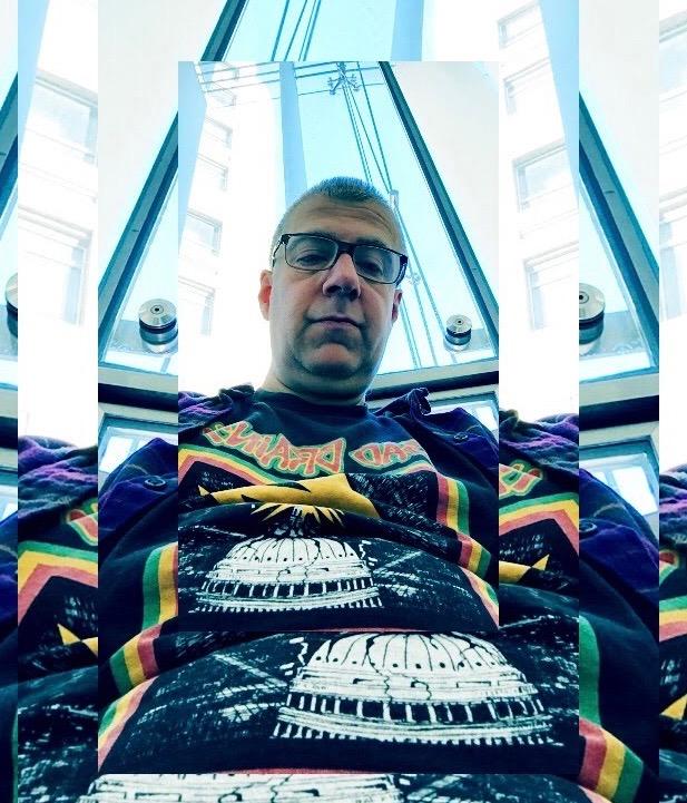 avatar for Tom Lifer